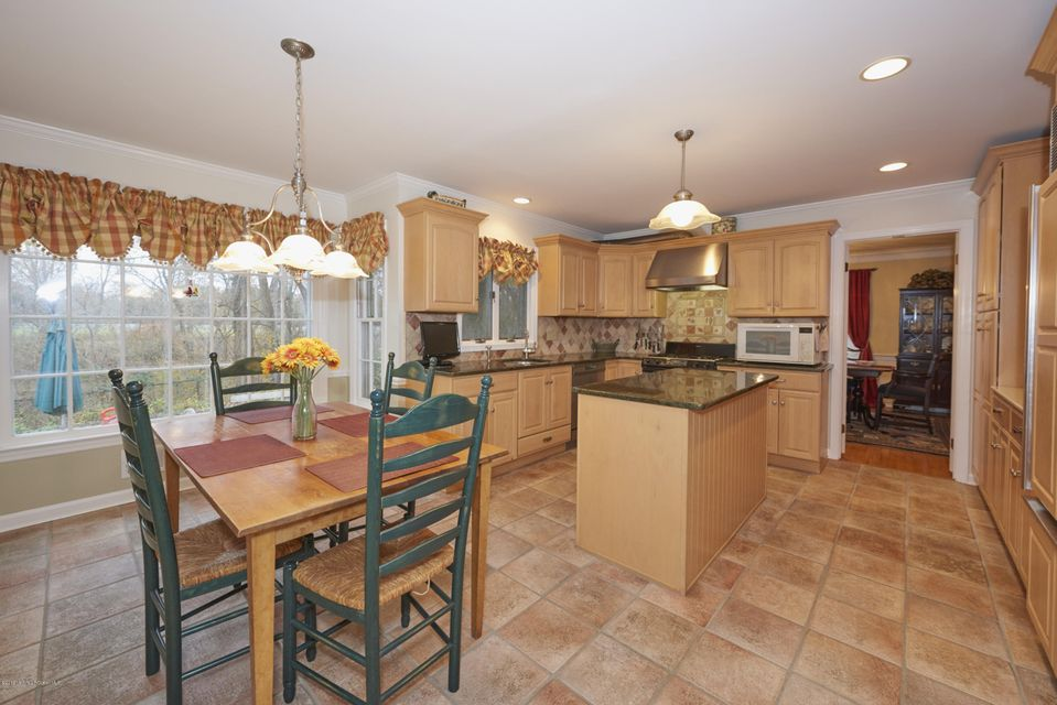 Additional photo for property listing at 20 Mulberry Lane  Colts Neck, Nueva Jersey 07722 Estados Unidos