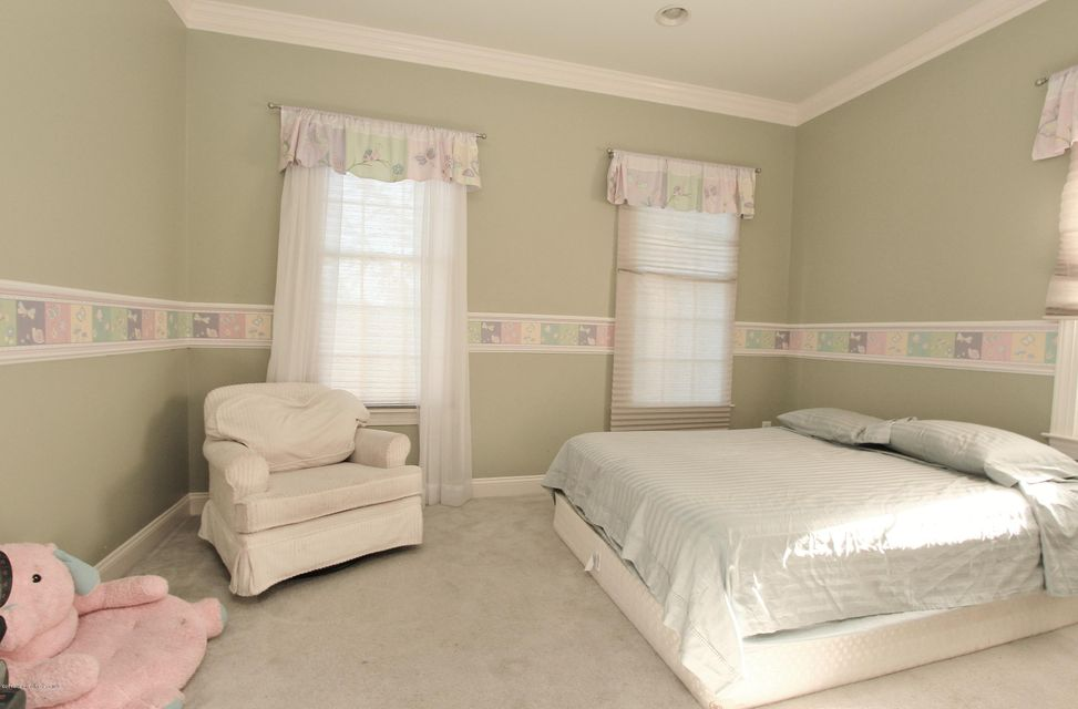 Additional photo for property listing at 3 Bobbie Court  Manalapan, New Jersey 07726 United States