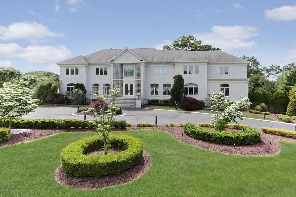 Single Family Home for Sale at 9 Parkwood Lane Colts Neck, New Jersey 07722 United States