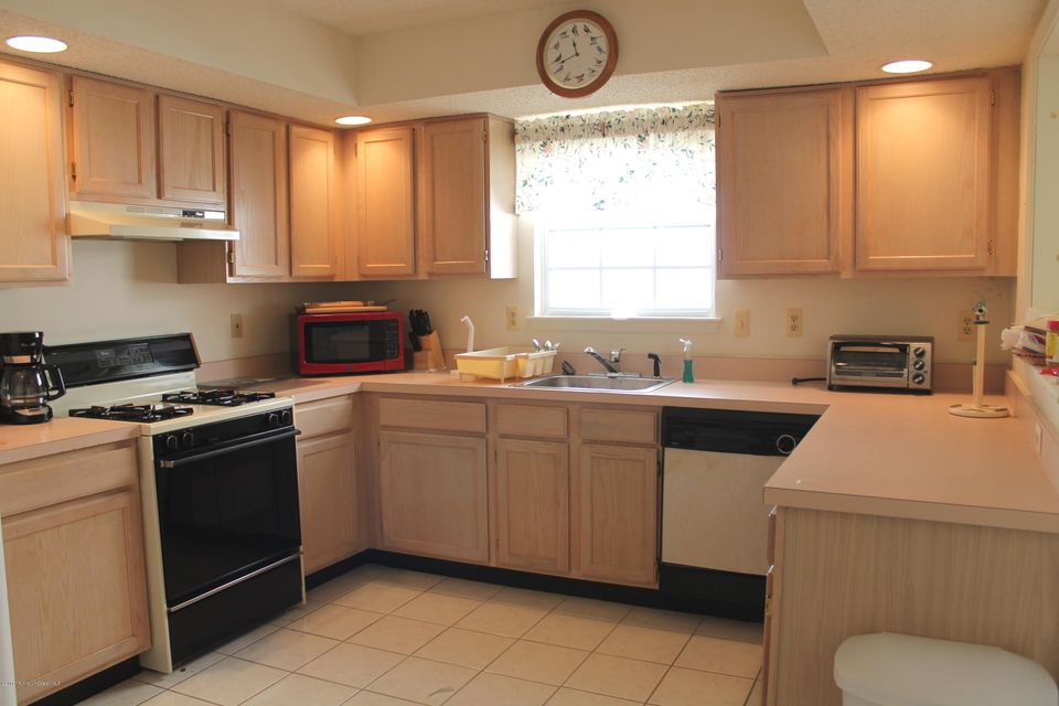 Additional photo for property listing at 78 Sleepy Hollow Drive  Brick, New Jersey 08724 États-Unis