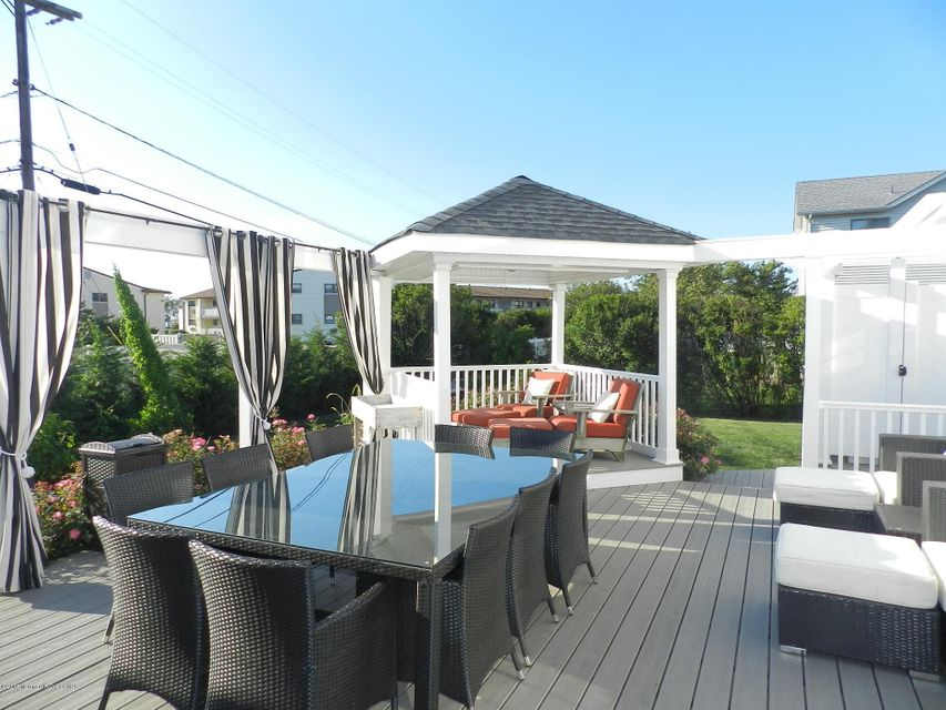 Additional photo for property listing at 74 Seaview Avenue  Monmouth Beach, New Jersey 07750 États-Unis