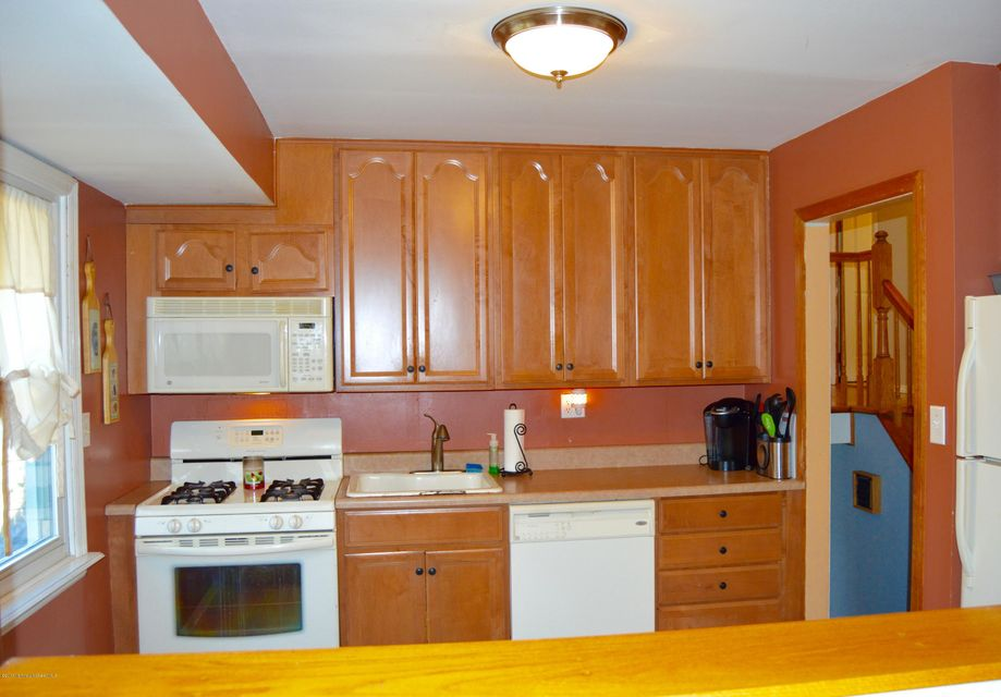 Additional photo for property listing at 410 Hooper Avenue  Toms River, Nueva Jersey 08753 Estados Unidos