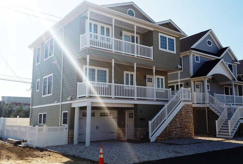 Maison unifamiliale pour l Vente à 29 Colony Road 29 Colony Road Ortley Beach, New Jersey 08751 États-Unis