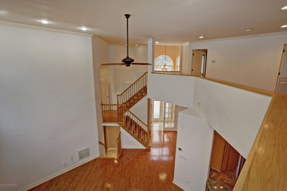 Additional photo for property listing at 193 Pelican Court  Holmdel, Nueva Jersey 07733 Estados Unidos