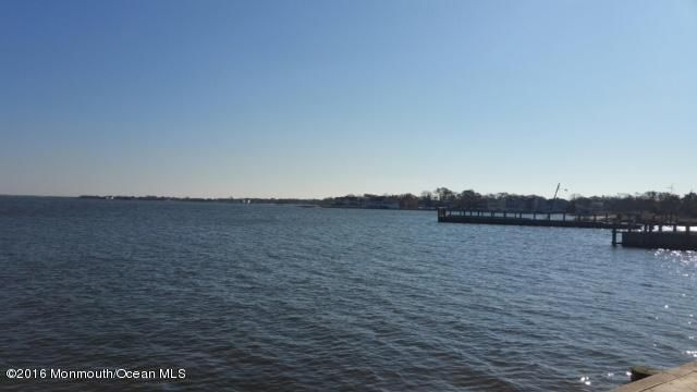 Additional photo for property listing at 14 Cove Road  Bayville, New Jersey 08721 États-Unis