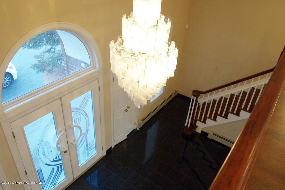 Additional photo for property listing at 14 Victorian Hill  Manalapan, New Jersey 07726 United States