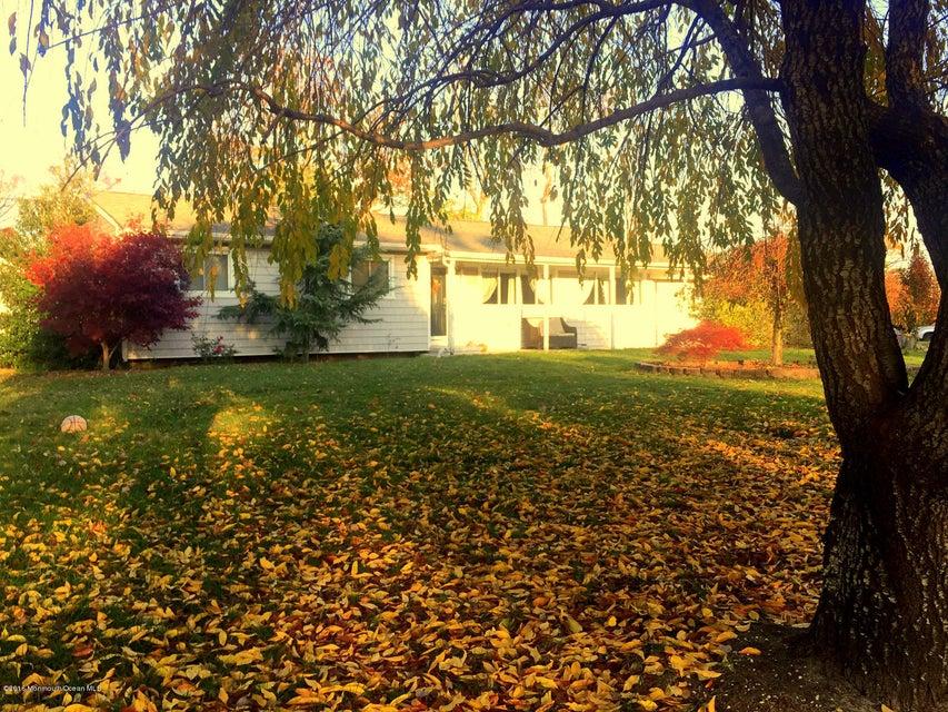 Casa Unifamiliar por un Venta en 1853 Greenwood Road Toms River, Nueva Jersey 08753 Estados Unidos