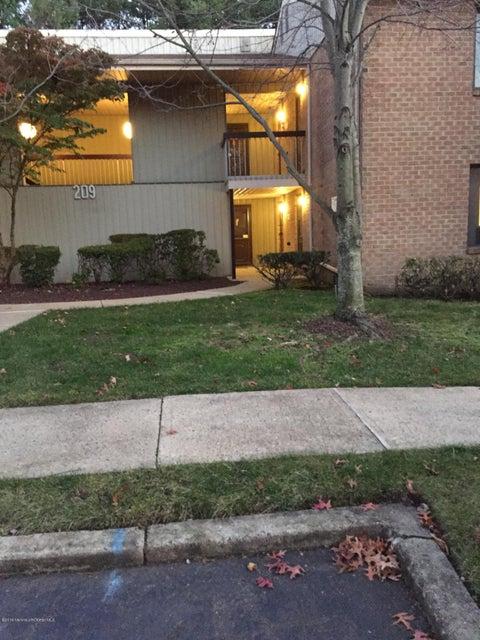 Maison unifamiliale pour l à louer à 209 Covered Bridge Boulevard Manalapan, New Jersey 07726 États-Unis