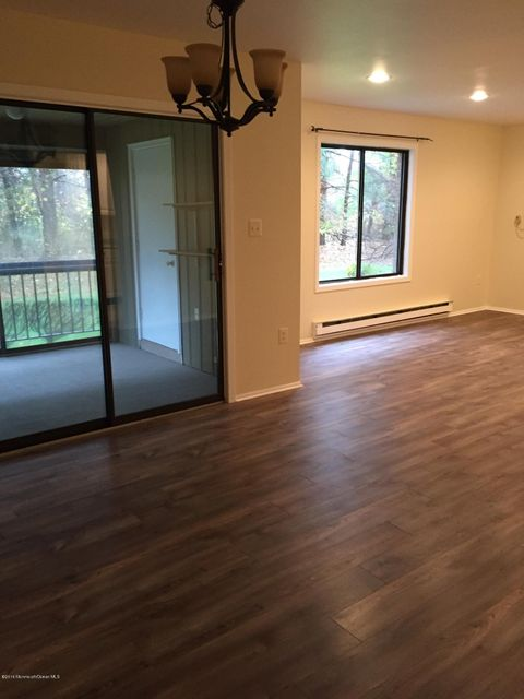Additional photo for property listing at 209 Covered Bridge Boulevard  Manalapan, New Jersey 07726 États-Unis