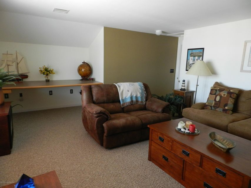 Additional photo for property listing at 826 Forepeak Drive  Forked River, New Jersey 08731 États-Unis