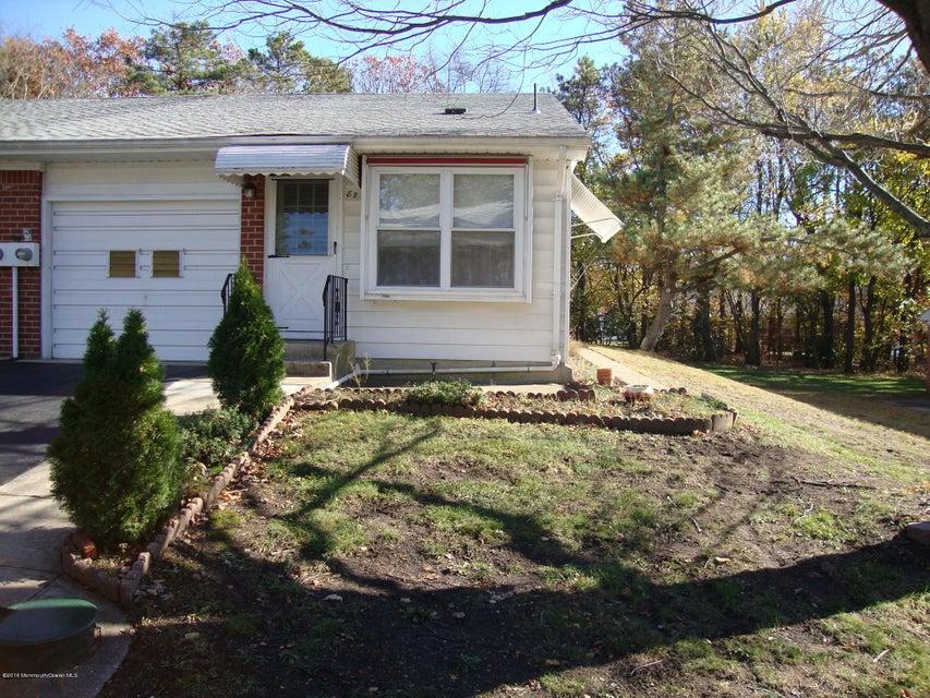 Casa Unifamiliar por un Venta en 8 B Moccasin Drive Whiting, Nueva Jersey 08759 Estados Unidos