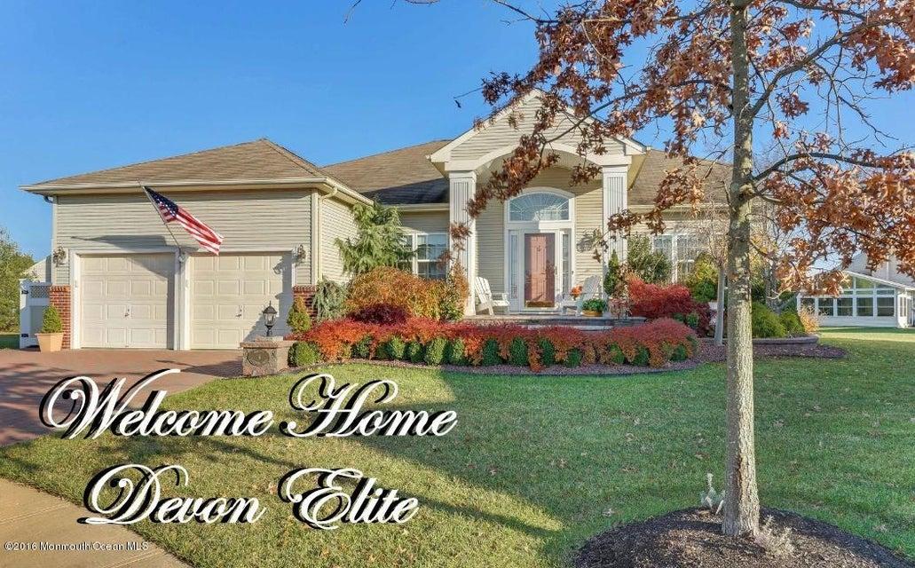 独户住宅 为 销售 在 6 Campania Court 曼彻斯特, 08759 美国