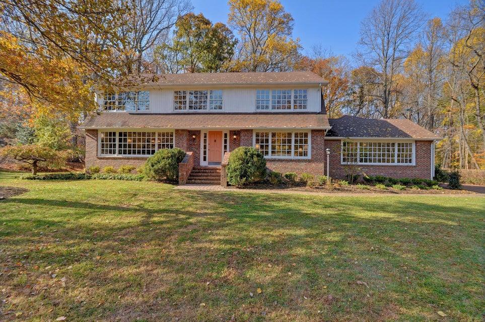 Maison unifamiliale pour l Vente à 2115 Middletown Lincroft Road Middletown, New Jersey 07748 États-Unis
