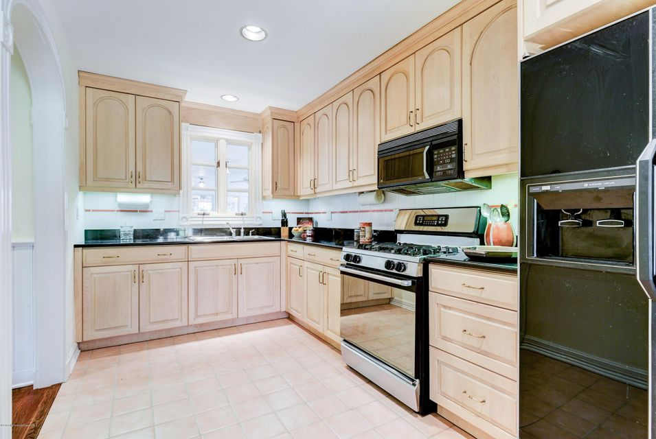 Additional photo for property listing at 2115 Middletown Lincroft Road  Middletown, New Jersey 07748 United States