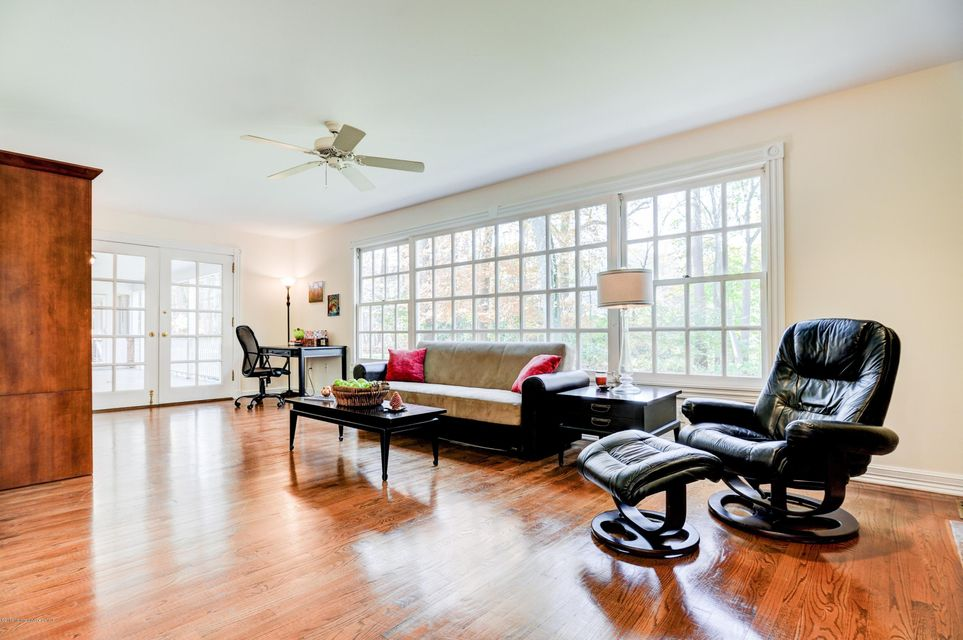 Additional photo for property listing at 2115 Middletown Lincroft Road  Middletown, Nueva Jersey 07748 Estados Unidos