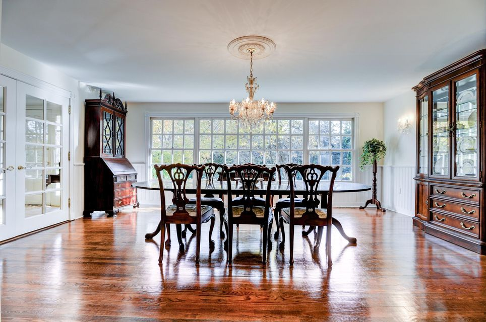 Additional photo for property listing at 2115 Middletown Lincroft Road  Middletown, New Jersey 07748 États-Unis