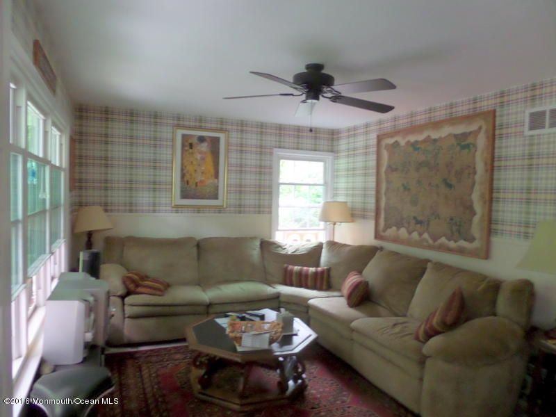 Additional photo for property listing at 81 Leedsville Drive  Lincroft, Nueva Jersey 07738 Estados Unidos