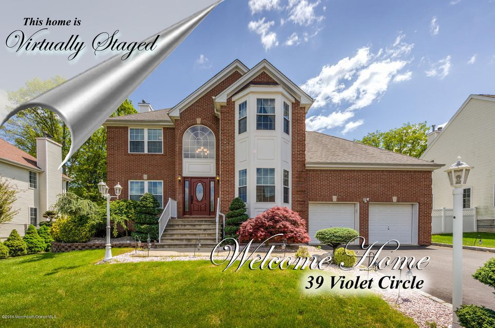 Additional photo for property listing at 39 Violet Circle  Howell, Nueva Jersey 07731 Estados Unidos