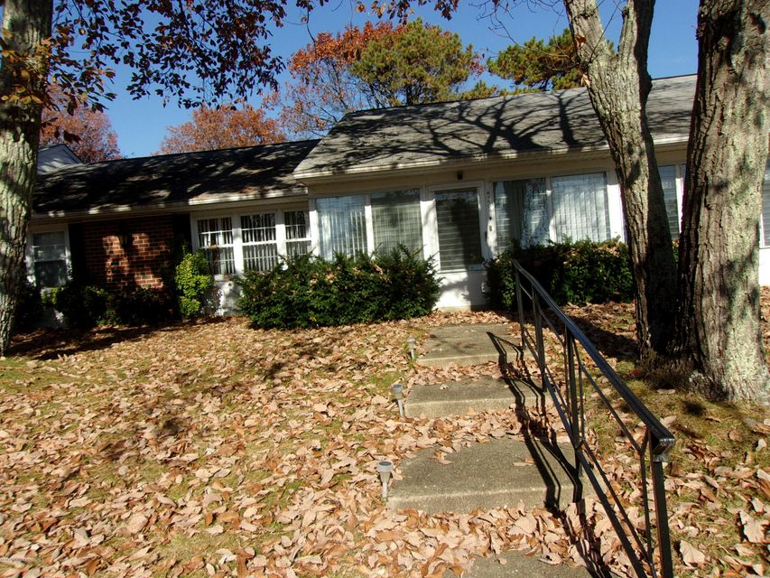 Additional photo for property listing at 835 Inverness Court  Lakewood, New Jersey 08701 United States