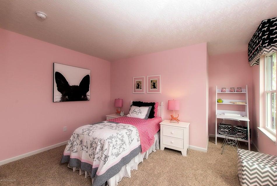 Additional photo for property listing at 60 Tina Way  巴奈加特, 新泽西州 08005 美国