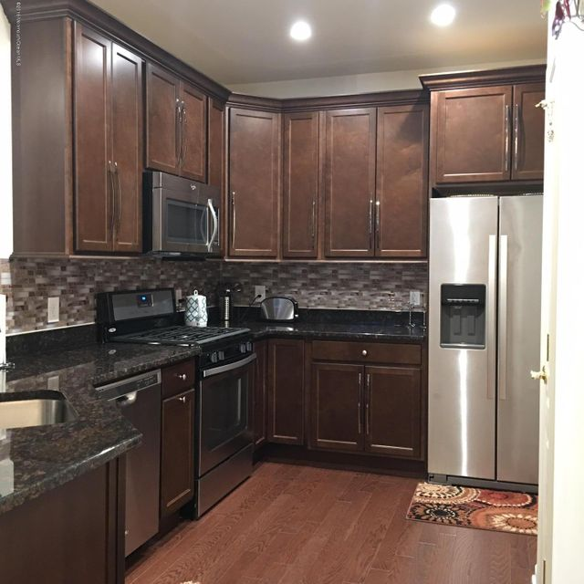 Maison unifamiliale pour l à louer à 10 Stock Court Old Bridge, New Jersey 08857 États-Unis