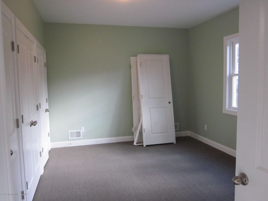 Additional photo for property listing at 10 Spruce Street  Lakewood, New Jersey 08701 États-Unis