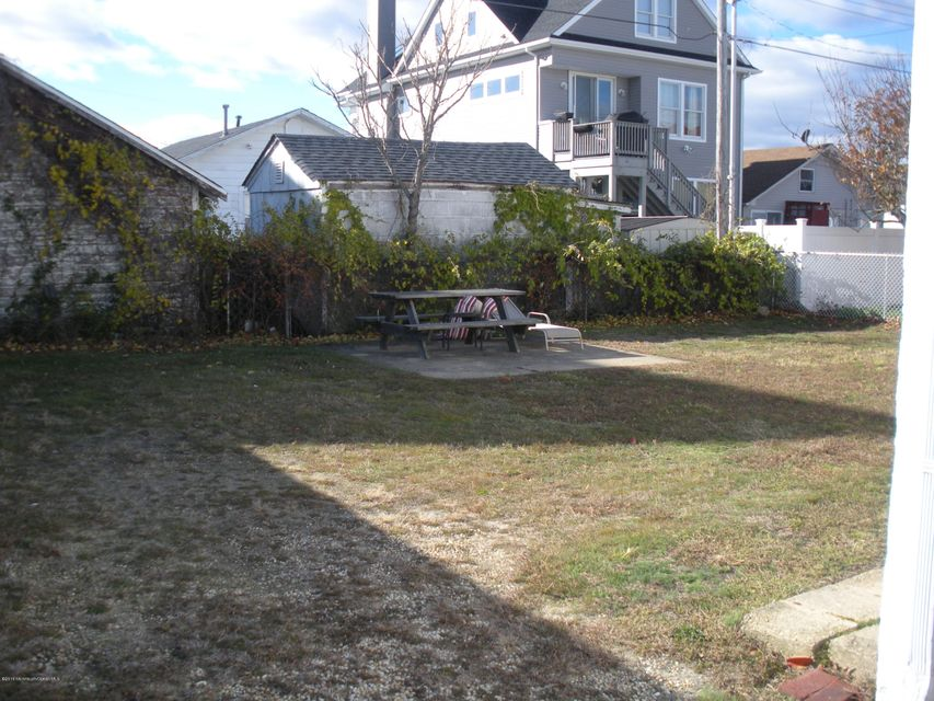 Additional photo for property listing at 109 13th Avenue  Belmar, New Jersey 07719 United States