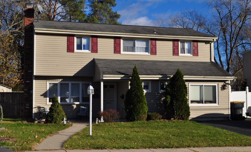 独户住宅 为 销售 在 4 Jersey Avenue Old Bridge, 新泽西州 08857 美国