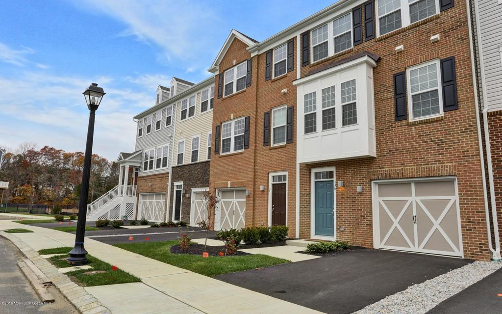 Condominium for Rent at 136 Waypoint Drive Eatontown, New Jersey 07724 United States