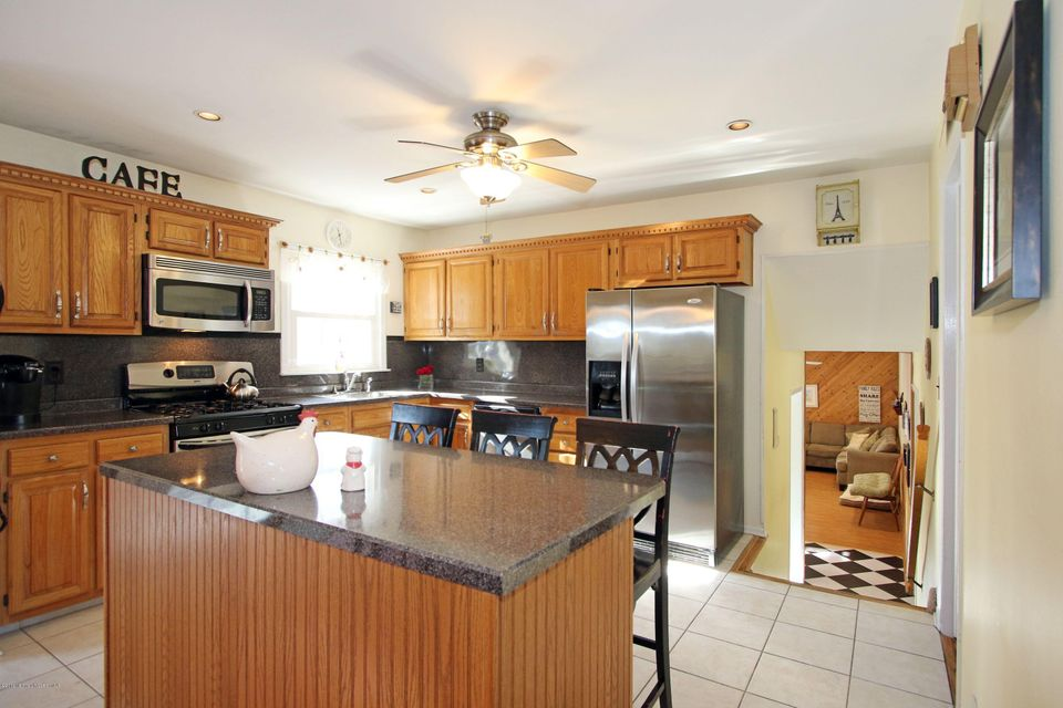 Additional photo for property listing at 121 Glenbrook Road  Freehold, New Jersey 07728 United States