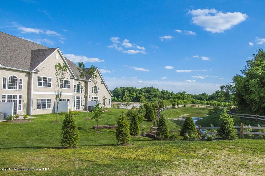Additional photo for property listing at 41 Abbey Road  Tinton Falls, Nueva Jersey 07753 Estados Unidos