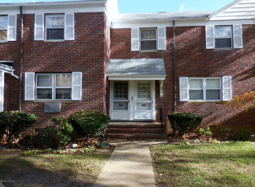Appartement en copropriété pour l Vente à 64 Manor Drive Red Bank, New Jersey 07701 États-Unis