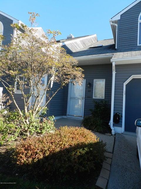 共管式独立产权公寓 为 出租 在 105 Shore Drive 朗布兰奇, 新泽西州 07740 美国