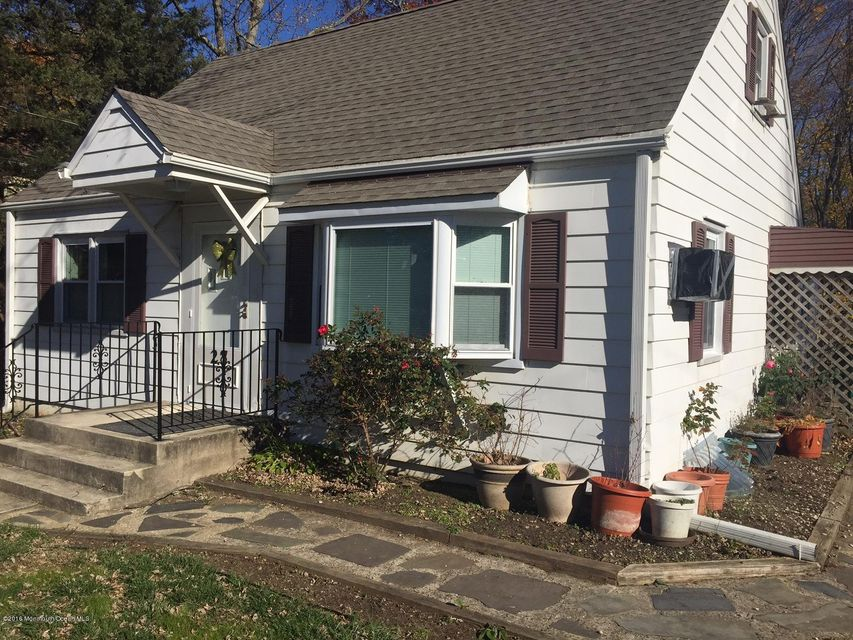 独户住宅 为 销售 在 27 William Street 廷顿瀑布市, 新泽西州 07724 美国