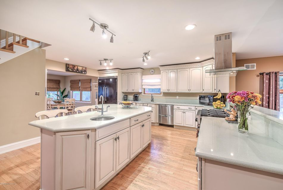 Additional photo for property listing at 57 Werah Place  Oceanport, Nueva Jersey 07757 Estados Unidos