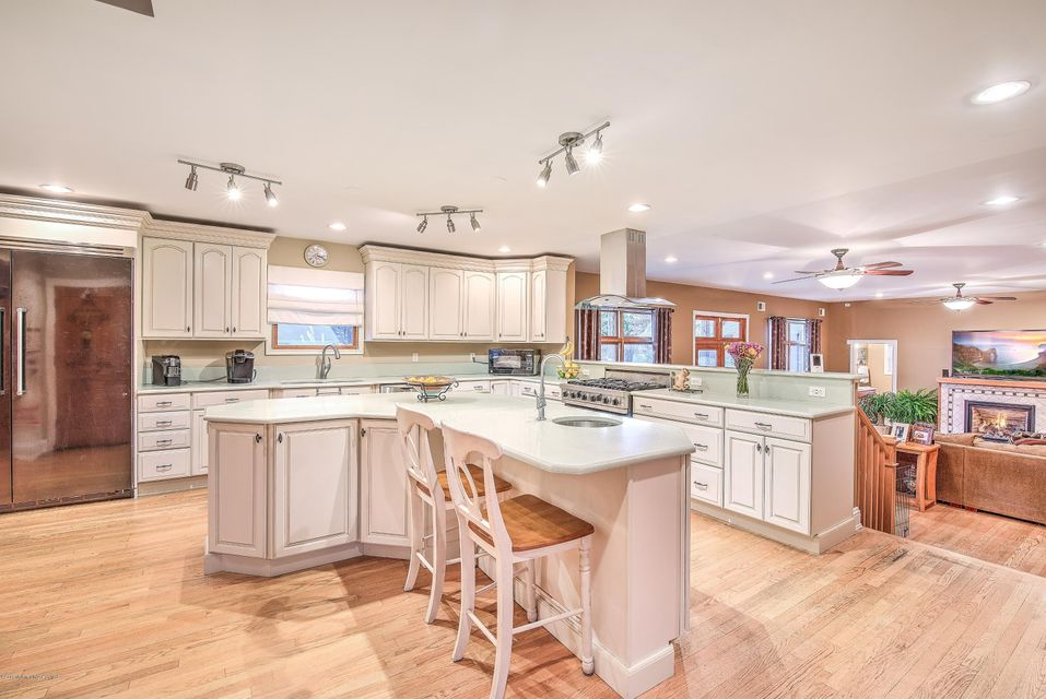 Additional photo for property listing at 57 Werah Place  Oceanport, New Jersey 07757 États-Unis