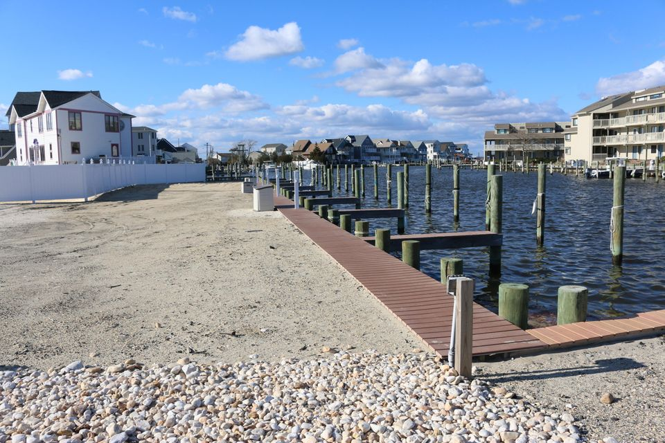 Additional photo for property listing at 1919 Bay Boulevard  Ortley Beach, New Jersey 08751 United States