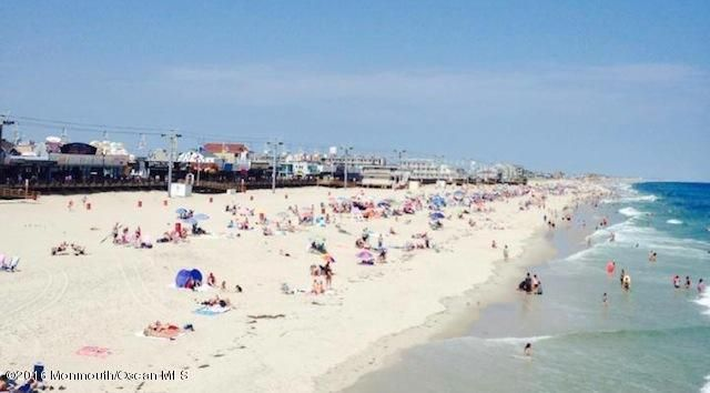 Additional photo for property listing at 231 Fremont Avenue  Seaside Heights, 新泽西州 08751 美国