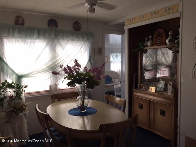 Additional photo for property listing at 10 Seagull Court  Whiting, New Jersey 08759 États-Unis