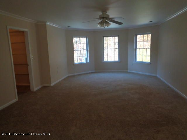 Additional photo for property listing at 6 Greentree Court  Howell, New Jersey 07731 États-Unis