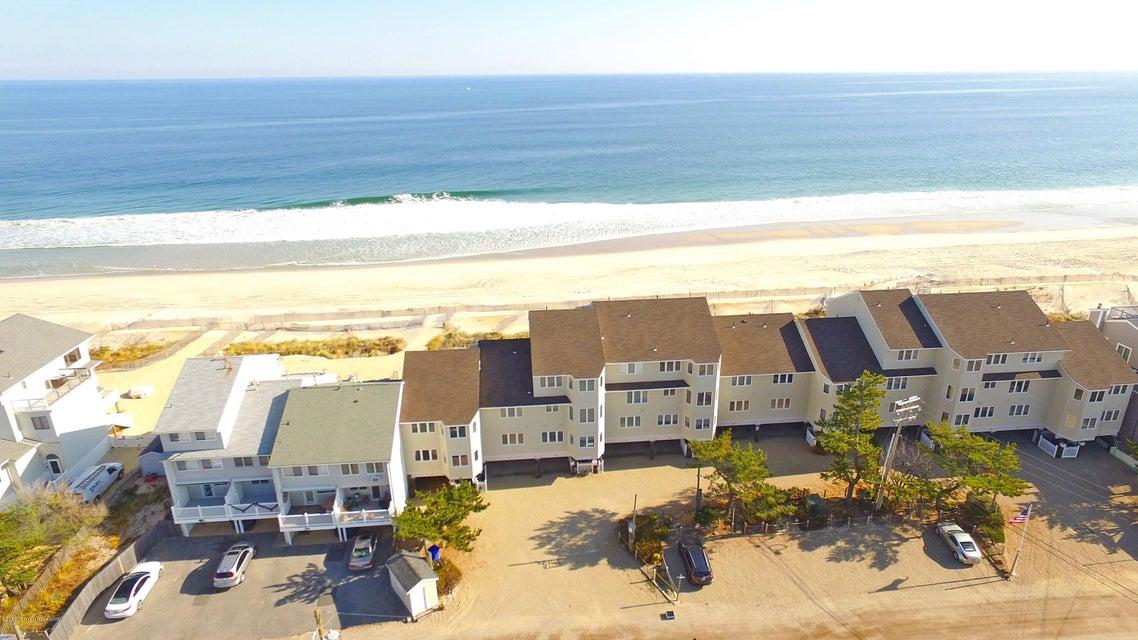 Condominio por un Venta en 15 Dune Terrace Ortley Beach, Nueva Jersey 08751 Estados Unidos