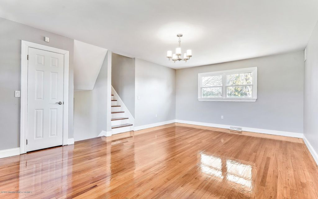 Additional photo for property listing at 827 Girard Road  Toms River, New Jersey 08753 États-Unis
