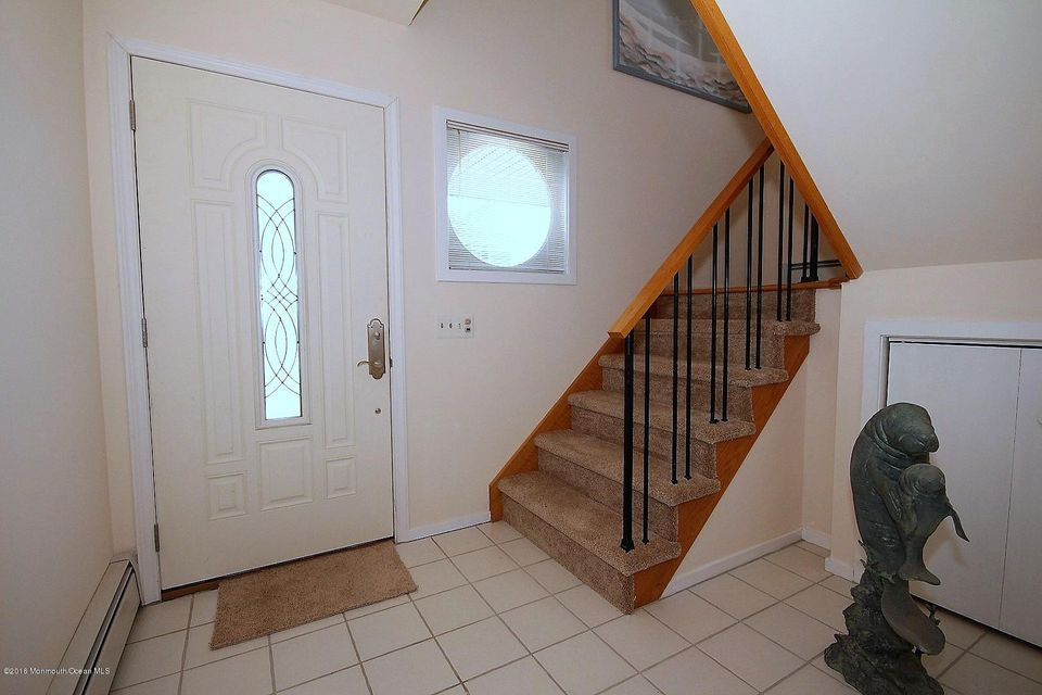 Additional photo for property listing at 112 Clifton Road 112 Clifton Road Barnegat, New Jersey 08005 États-Unis