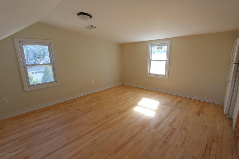 多户住宅 为 出租 在 627 Princeton Avenue 布里克, 新泽西州 08724 美国