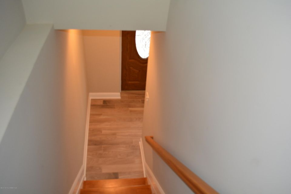 Additional photo for property listing at 825 9th Street  Union Beach, New Jersey 07735 États-Unis