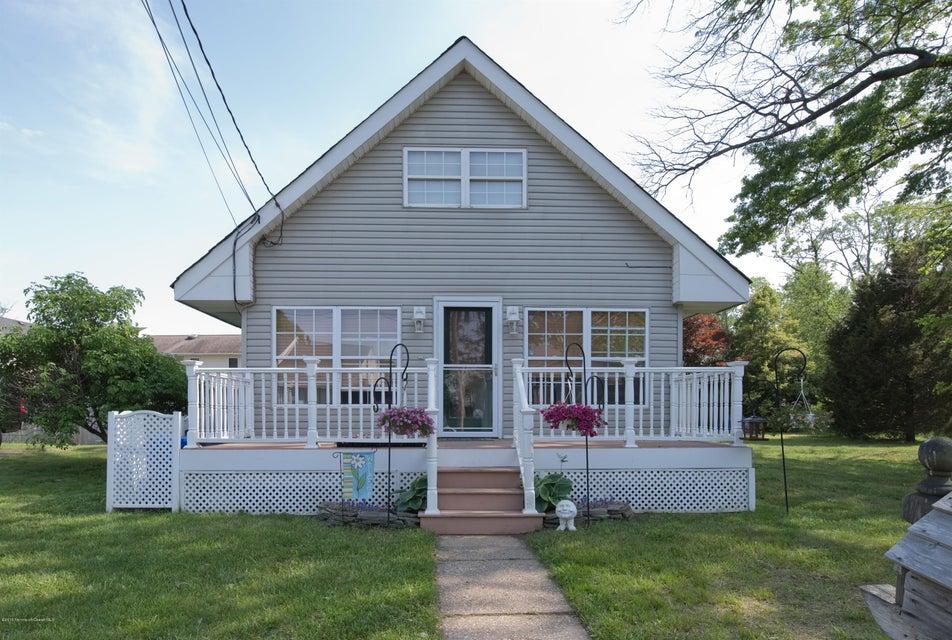 Maison unifamiliale pour l Vente à 414 Aumack Avenue Union Beach, New Jersey 07735 États-Unis