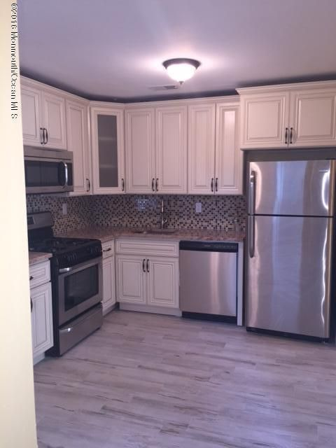 Additional photo for property listing at 14 Hawthorne Court  Freehold, Nueva Jersey 07728 Estados Unidos