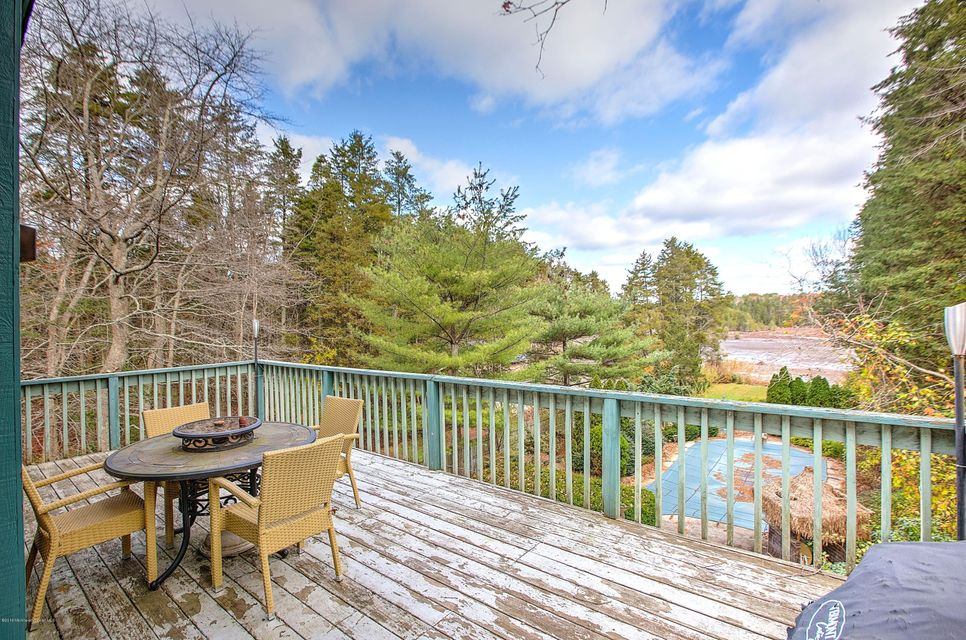 Additional photo for property listing at 340 Lakeshore Drive  Manahawkin, New Jersey 08050 États-Unis
