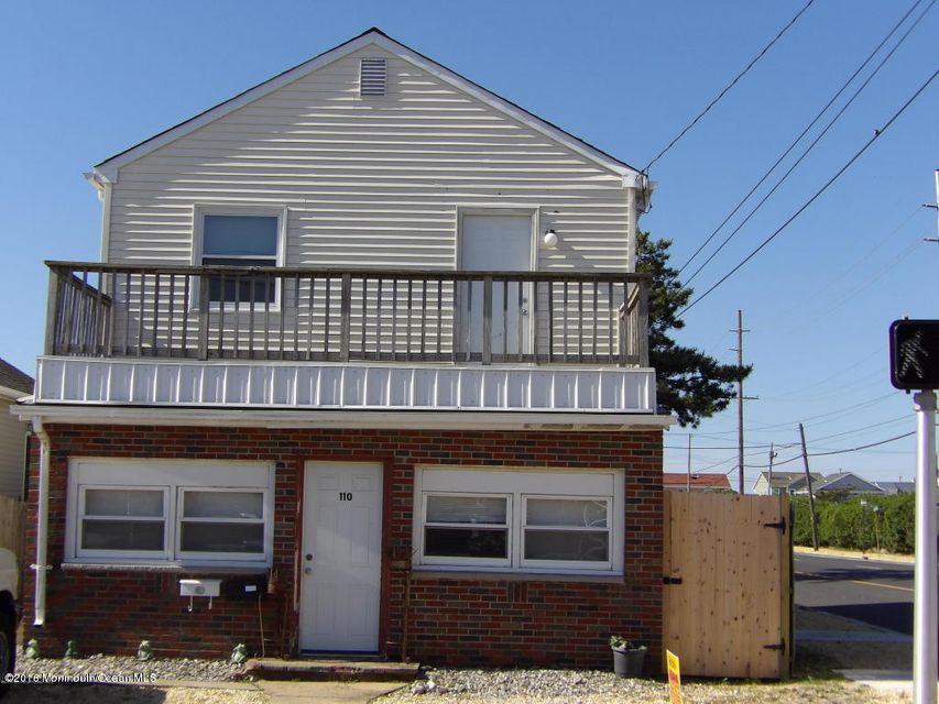 Additional photo for property listing at 110 Jersey City Avenue  Lavallette, New Jersey 08735 États-Unis