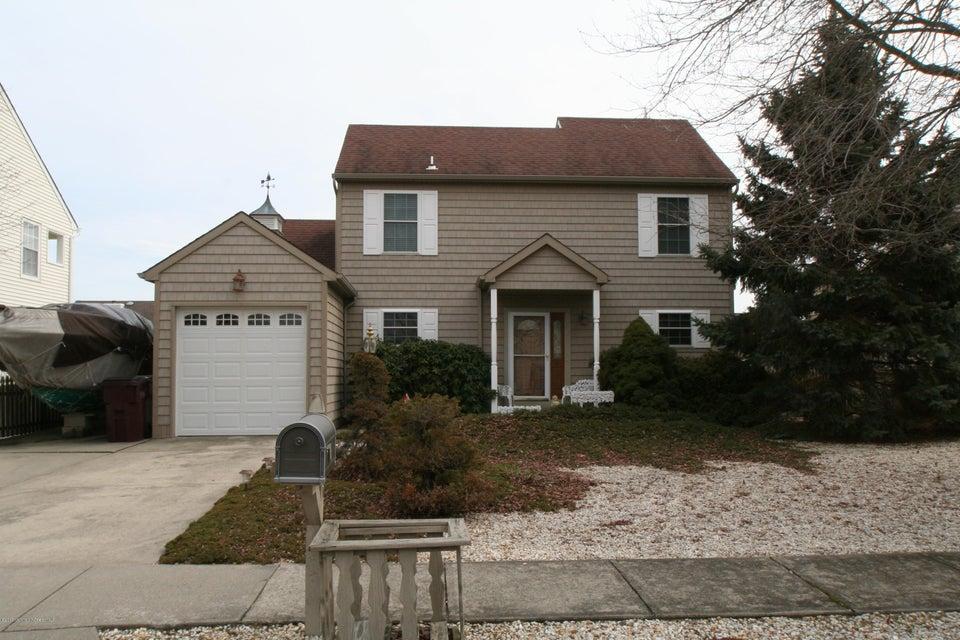 Maison unifamiliale pour l Vente à 91 Spinnaker Court Bayville, New Jersey 08721 États-Unis
